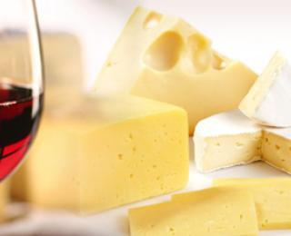 Kaas en wijn vormen een hemelse combinatie; toch als je weet welke wijn bij welke kaas past.