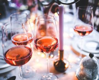 Wijnetiquette is een geheel van verschillende regels.
